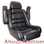 Кресло капитанское с валиком Flip-Up и подлокотниками (черное)